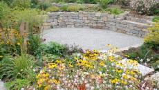 Moderner Garten mit Stauden
